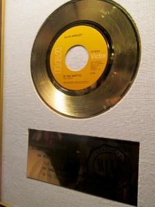 Elvis_76